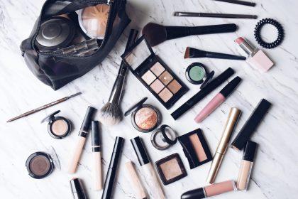 ΕΒΕΘ: Άρση της απαγόρευσης δειγμάτων καλλυντικών