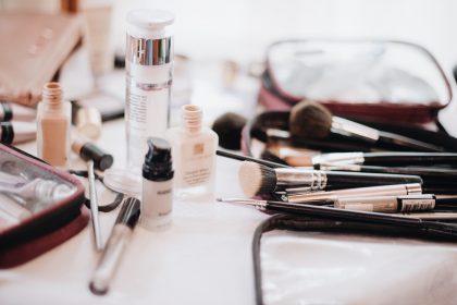 Ο ΕΟΦ ανακαλεί 47 καλλυντικά προϊόντα