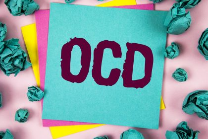 Toc Toc: Ένα έργο για την Ιδεοψυχαναγκαστική διαταραχή