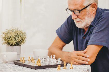 Αλτσχάιμερ: Οι πέντε κινήσεις που μειώνουν κατά 60% τον κίνδυνο