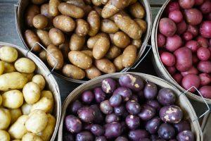 βιταμίνη Α πατάτες με διάφορα χρώματα