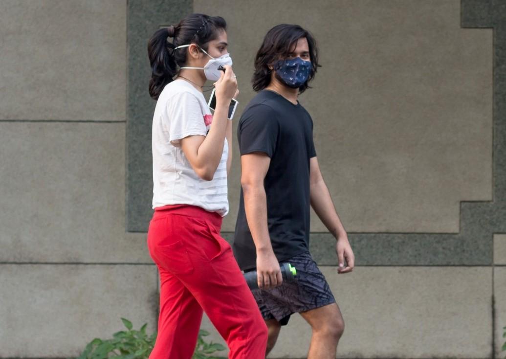 maskes se eksoterikous chorous