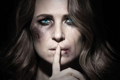 Καραντίνα και ενδοοικογενειακή βία - Κακοποίηση γυναικών