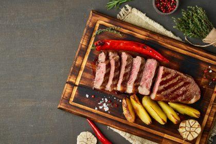 Φλεγμονώδη τρόφιμα - Κόκκινο κρέας και τηγανητές πατάτες