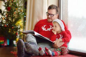 Άγιος Βασίλης πατέρας με το παιδί χριστούγεννα