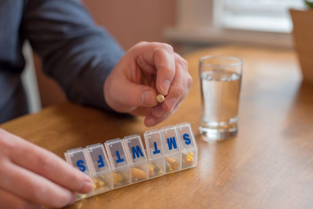 χάπια σε κουτί εβδομαδας