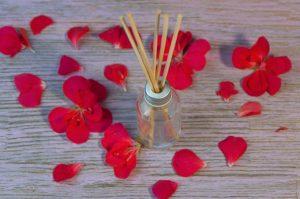 αρωματικό αιθέριο έλαιο τριαντάφυλλο