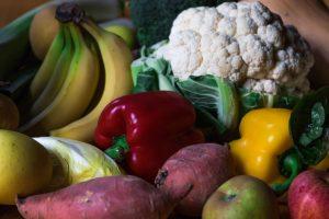 δυσκοιλιότητα βότανα τροφές μπρόκολο γλυκοπατάτα κουνουπίδι και πολύχρωμα λαχανικά