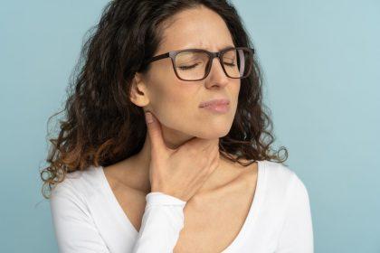 Δυσκολία στην κατάποση: Τι προκαλεί τη δυσφαγία;