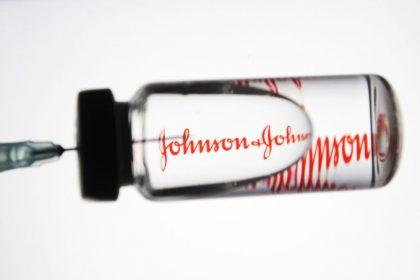 Αρχίζουν οι εμβολιασμοί με το μονοδοσικό εμβόλιο της Johnson & Johnson