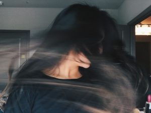 κοινωνικό άγχος κοινωνική φοβία γυναίκα σε κρίση