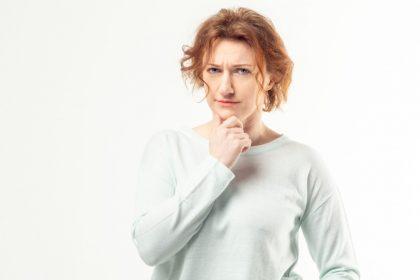 κλιμακτήριος ψυχολογικά συμπτώματα γυναίκα είναι καχύποπτη