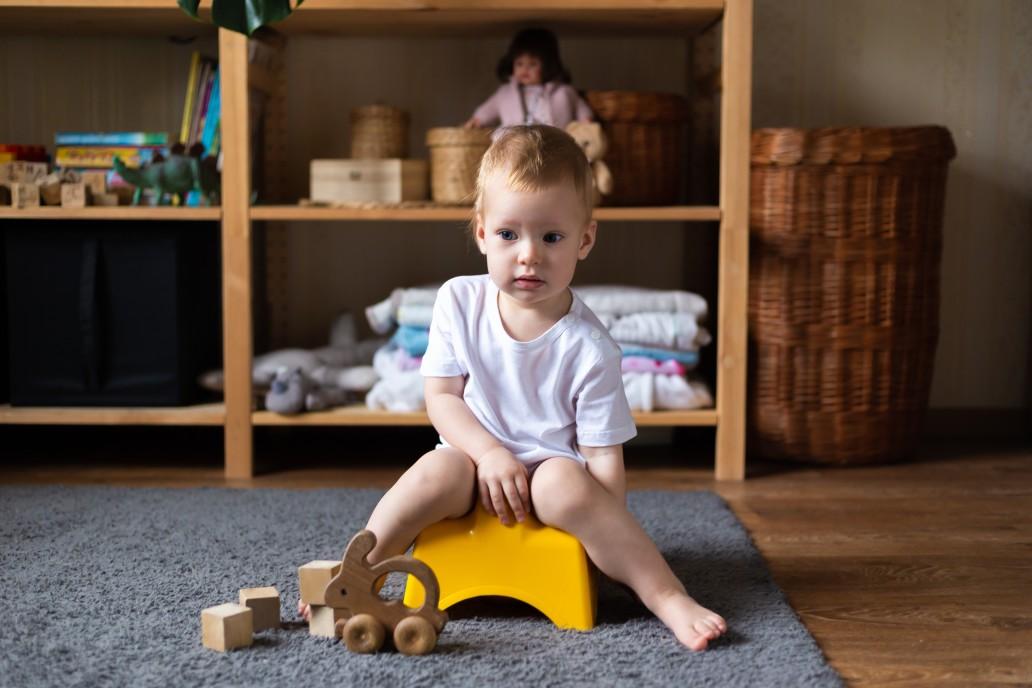 Ουρολοίμωξη σε παιδιά: Παιδί στο γιογιό