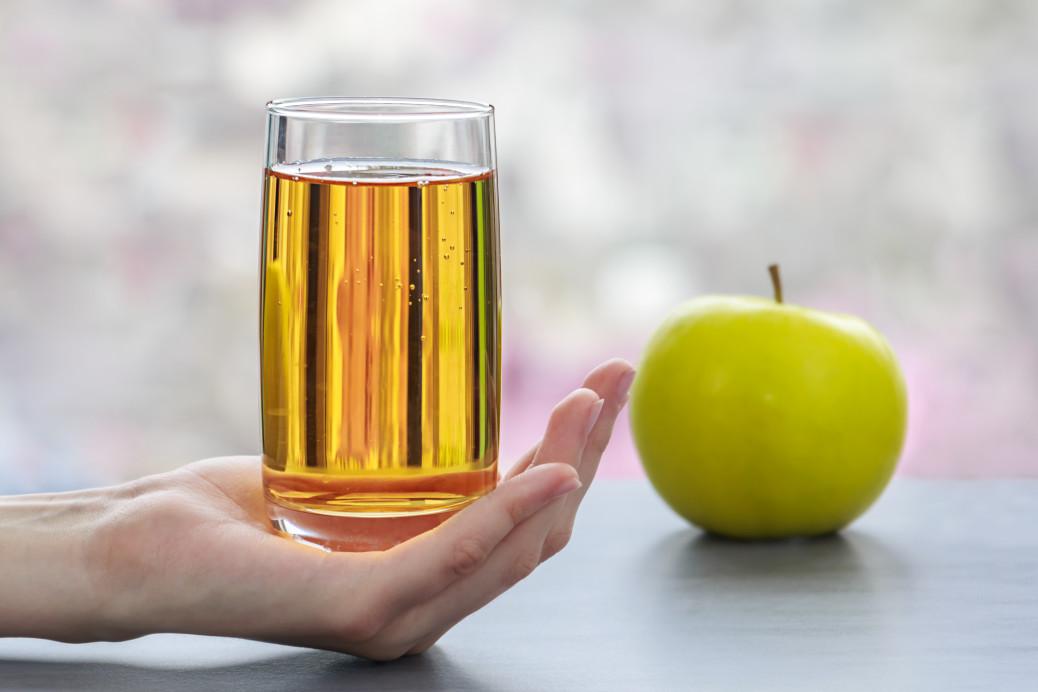χυμός μήλου για πέτρα στη χολή