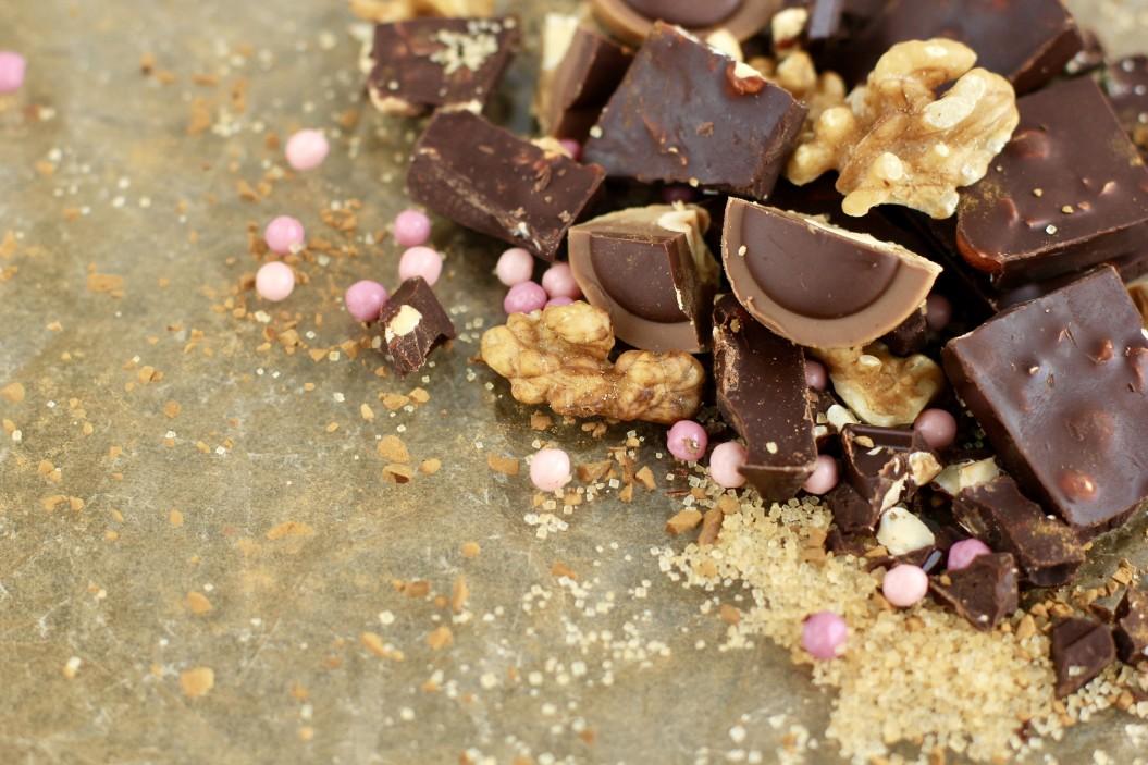 Ψυχοθεραπευτική πλευρά της ζαχαροπλαστικής - κομμάτια σοκολάτας