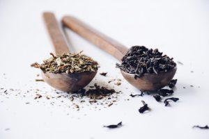 σάκχαρο βότανα μπαχαρικά κουτάλια ξύλινα με μπαχαρικά