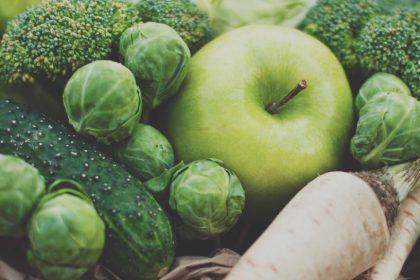 αυτοάνοσα νοσήματα διατροφή πράσινα μήλα και λαχανικά