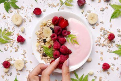 συνταγές δίαιτα φράουλα με γιαούρτι