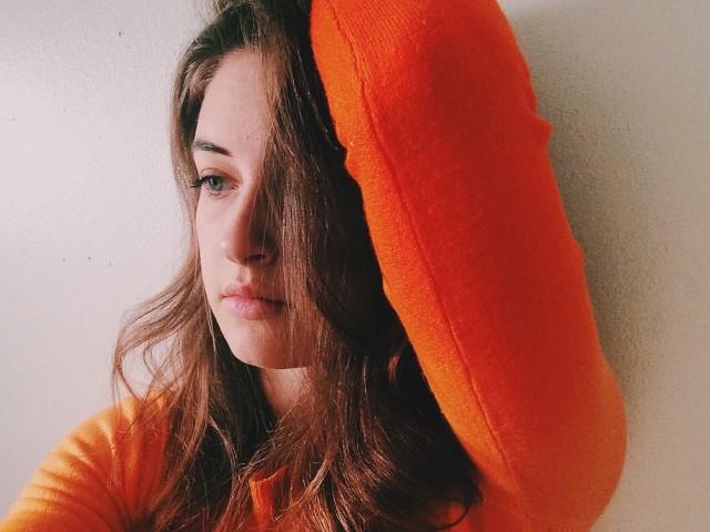 κρίση πανικού κατάθλιψη κοπέλα με στεναχώρια