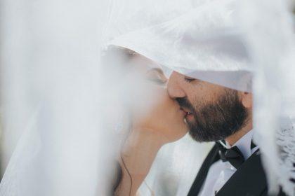 Παντρεμένο ζευγάρι - Aνύπαντρα