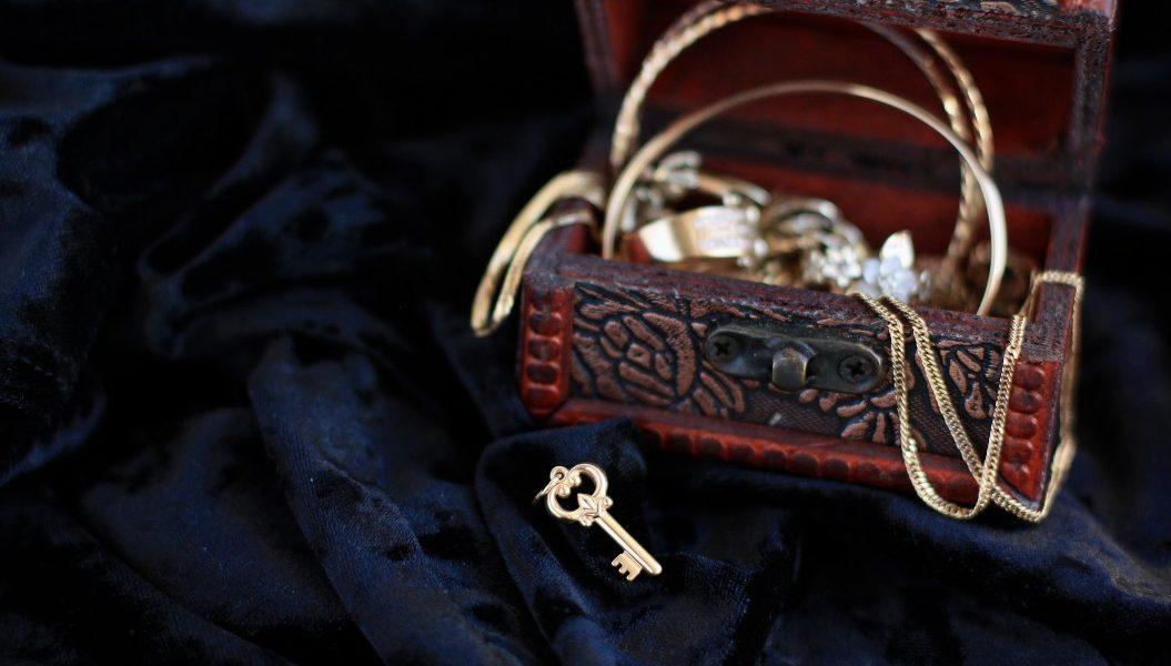 σύνδρομο αποθησαύρισης σεντούκι με κοσμήματα