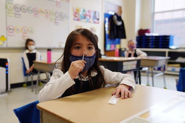 Μαθήτρια κάνει self test