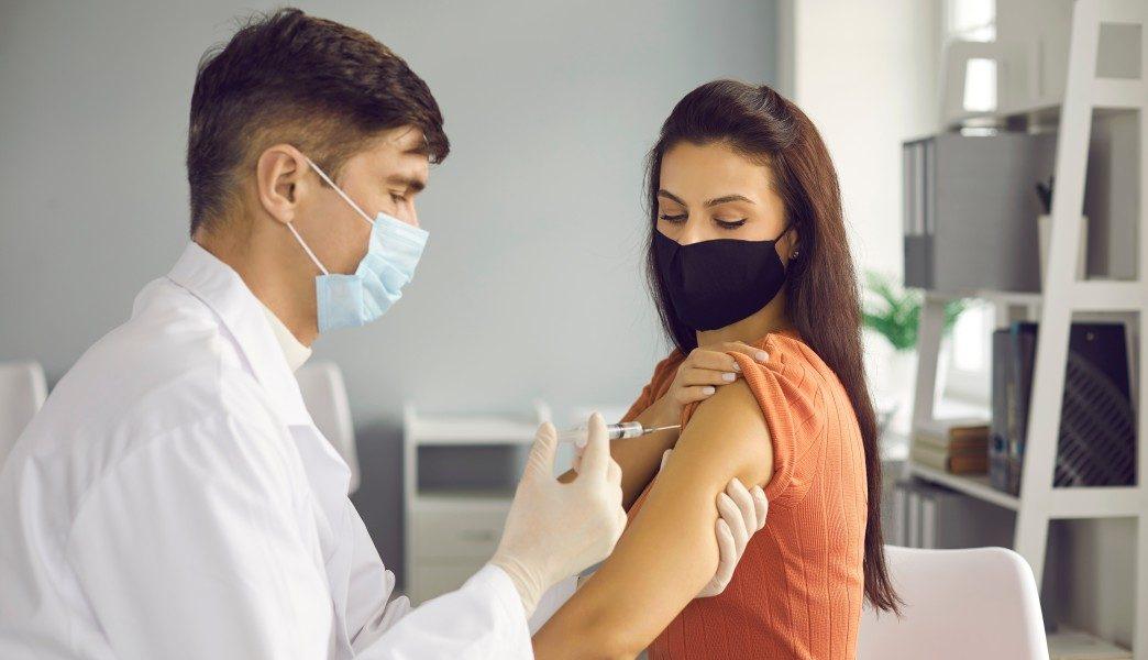 πλατφόρμα εμβολιασμού άνω των 30 ετών