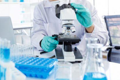 Μεταλλάξεις Covid-19: Μελέτη για την αποτελεσματικότητα εμβολίων και αντισωμάτων έναντι του νοτιοαφρικάνικου στελέχους
