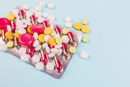 Ελλάδα αντιβιοτικά χάπια πολύχρωμα