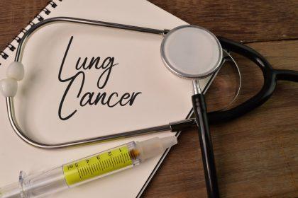 στηθοσκόπιο χαρτί που γράφει αρκίνο του πνευμονα