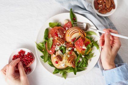 φυτοφαγική διατροφή ντομάτα μαρούλι σπανάκι