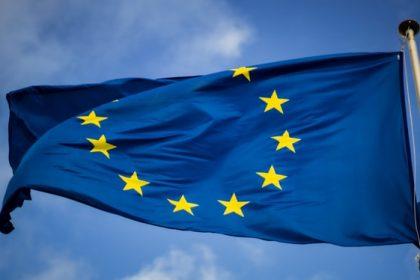 δόσεις εμβολίων Ευρώπη σημαία
