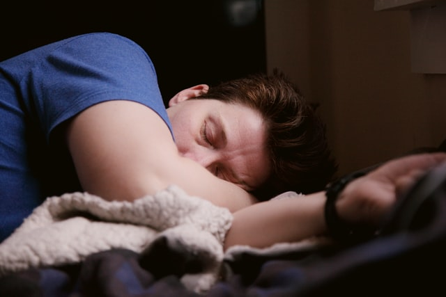 Άντρας κοιμάται