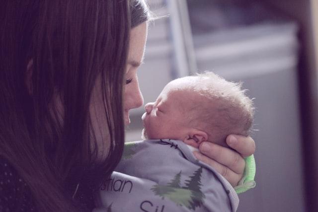 Μαμά και νεογέννητο
