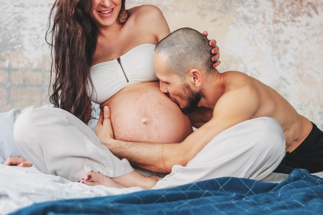 υποψήφιος πατέρα γυναίκα εγκυμοσύνη