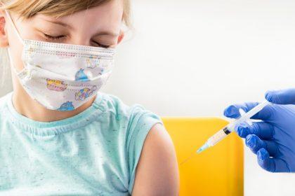 Διαθέσιμο και για παιδιά 5-11 ετών θα είναι στα μέσα Οκτωβρίου το εμβόλιο της BioNTech
