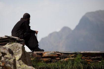 ανεμβολίαστοι μοναχοί