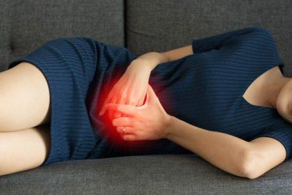 Ένας στους δέκα έχει πόνους στην κοιλιά λόγω φαγητού